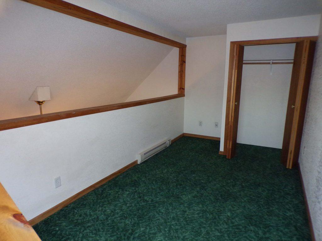 J 7 bedroom