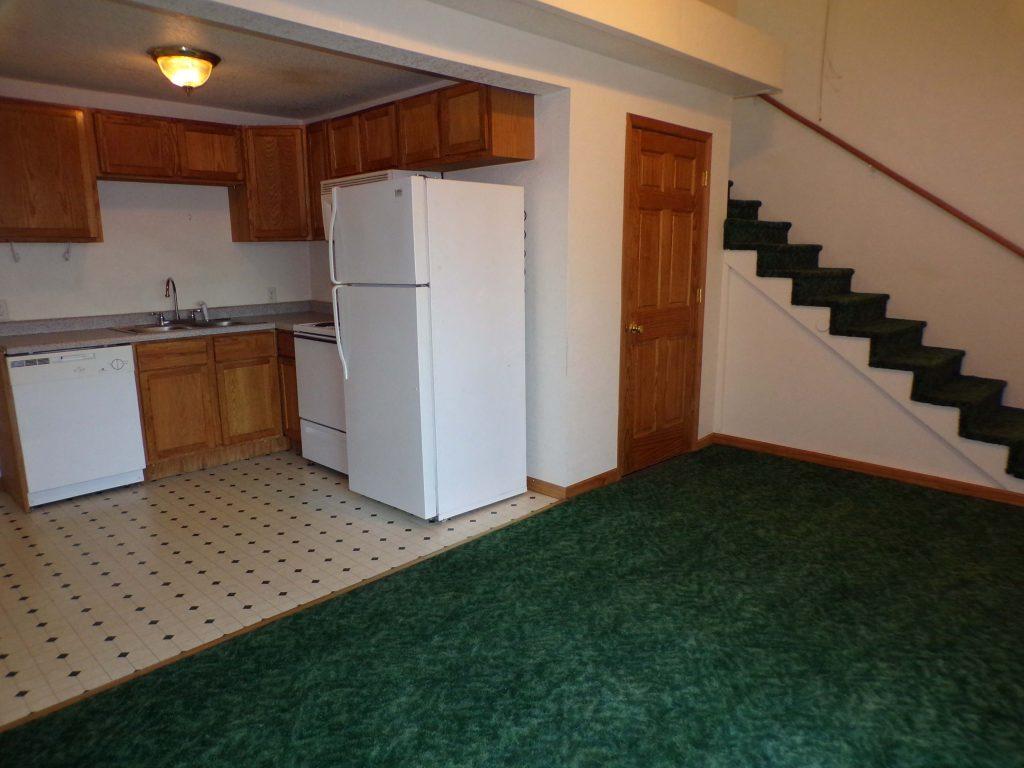 J 7 kitchen_stairs