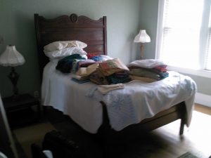 404 Middle bedroom